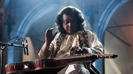 Try something different! Debashish Bhattacharya Concert Review